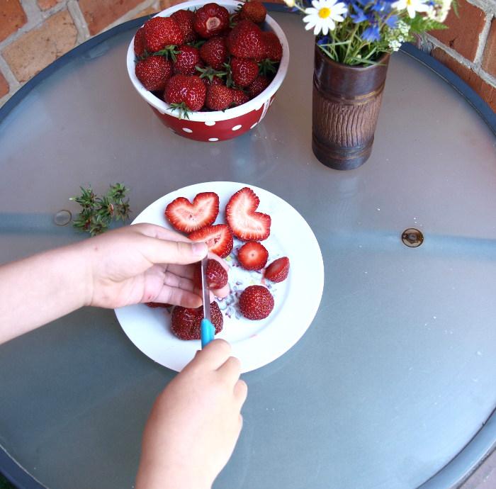 drucken mit erdbeeren. Black Bedroom Furniture Sets. Home Design Ideas